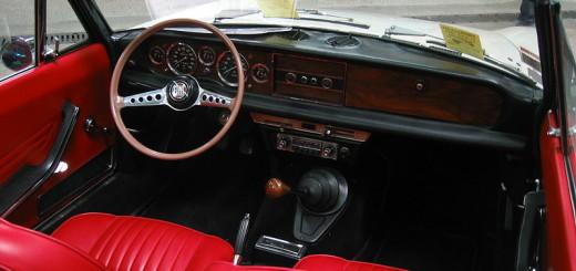 Fiat 124 Spider, zdroj: wikimedia, autor: Arnaud 25