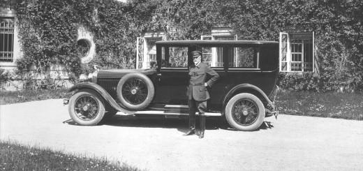 T. G. Masaryk před vozem Škoda HispanoSuiza, zdroj: Škoda auto