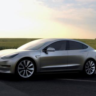Tesla Model E, zdroj: tesla.com
