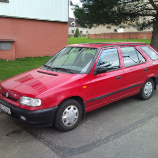 Škoda Felicia Combi, zdroj: Wikimedia commons, autor: alofok, CC BY-SA