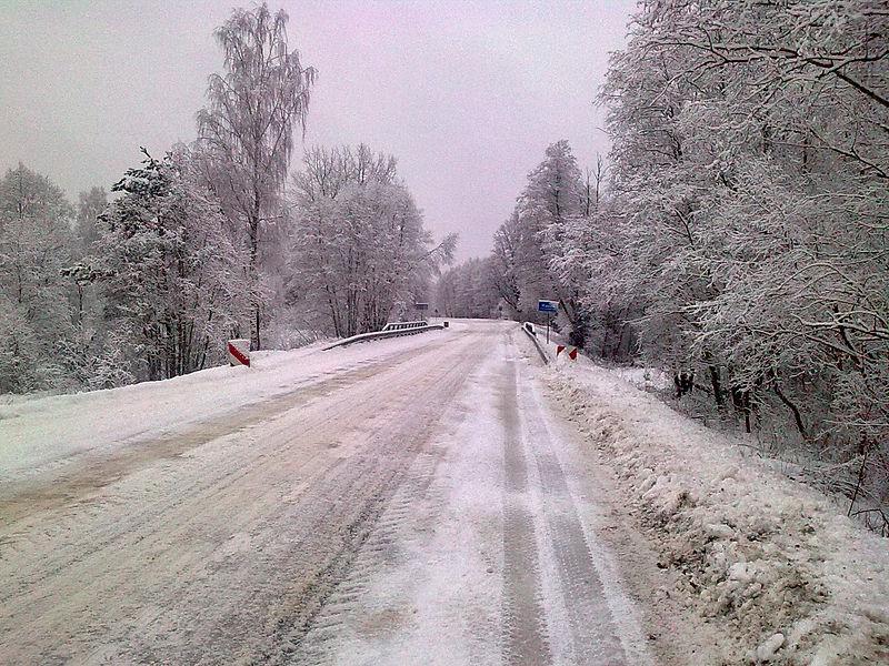 Zimní silnice, foto: Aleksandrs Timofejevs/Wikimedia commons
