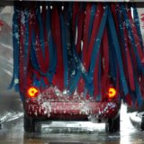 Auto lze mýt různými způsoby...