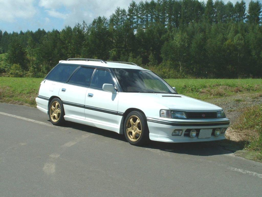 Subaru Legacy (BF), foto: By chee - vlastní dílo, CC BY-SA 3.0, https://commons.wikimedia.org/w/index.php?curid=14390346