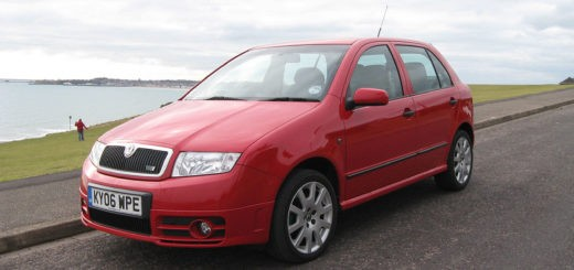 Škoda Fabia RS, foto: Andrew Bone, CC BY 2.0, https://commons.wikimedia.org/wiki/Category:%C5%A0koda_Fabia_I_RS#/media/File:Skoda_Fabia_vRS_(7914423470).jpg