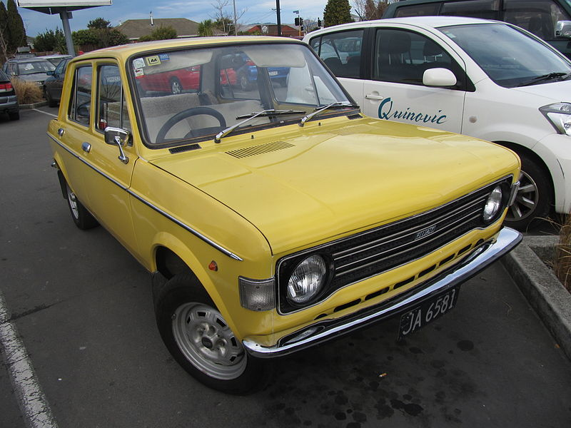 Fiat 128, rok 1978, foto: Riley from Christchurch, New Zealand - 1978 Fiat 128 Bello, CC BY 2.0, https://commons.wikimedia.org/w/index.php?curid=38923705