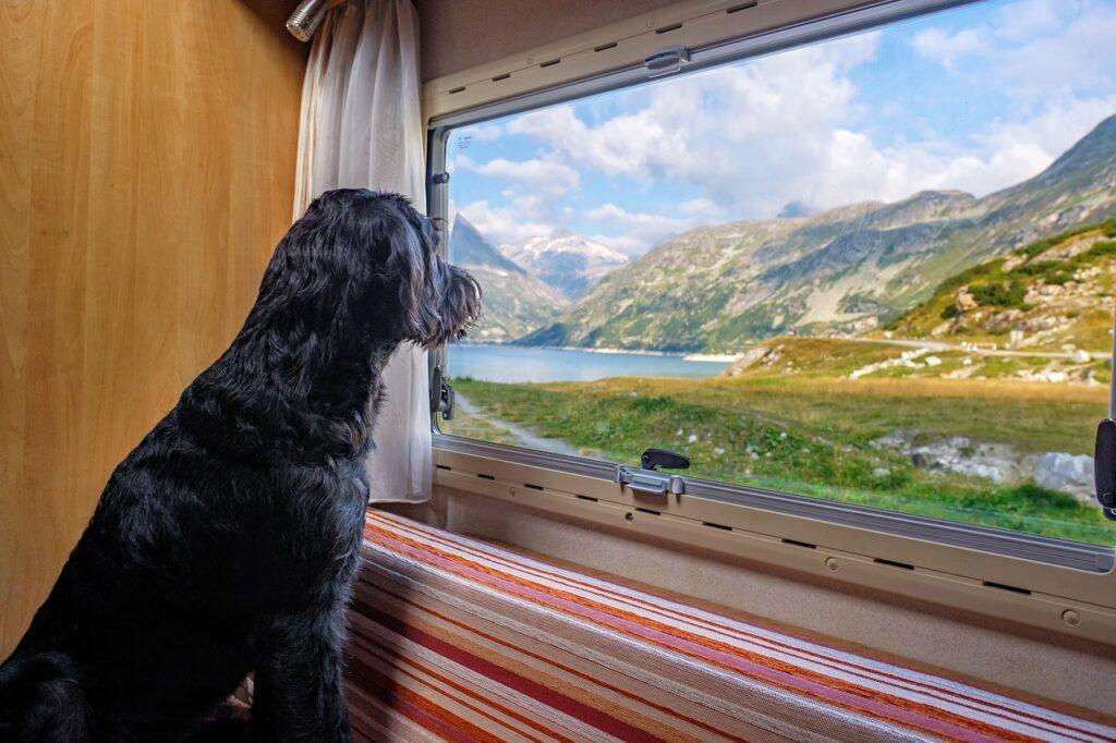 Obytné vozy a karavany nabízejí absolutní svobodu cestování, zdroj: Pixabay